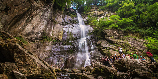آبشار ماخونتستی باتومی