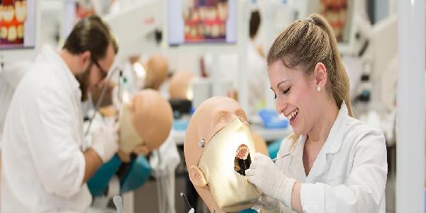 تحصیل دندانپزشکی در رومانی